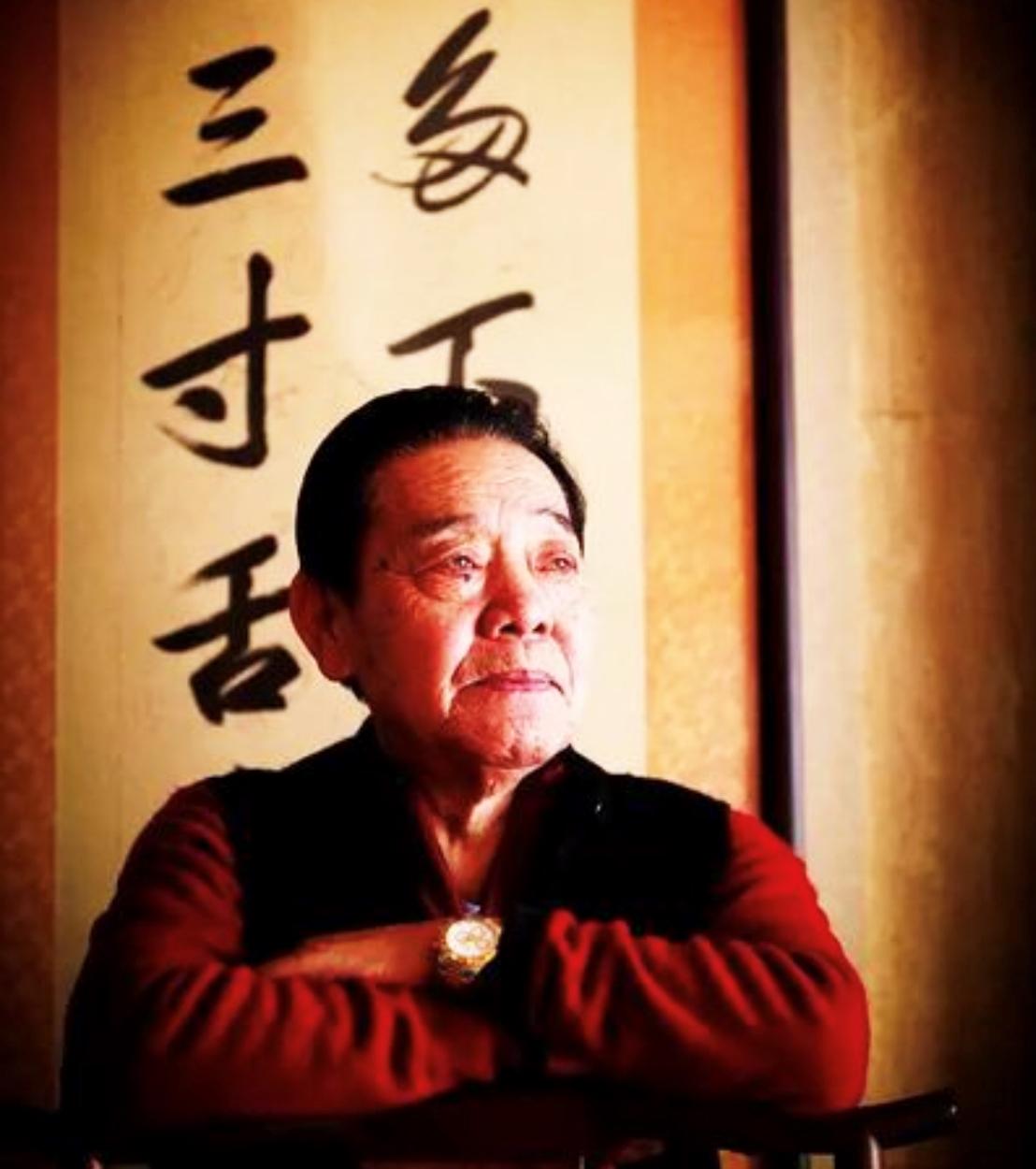 单田芳的评书成了一代人的记忆 书法作品曾被卖到两万一幅