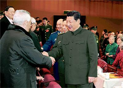 习近平出席,向在座的军队老同志,向全军离退休老干部,致以新春问候和祝福。