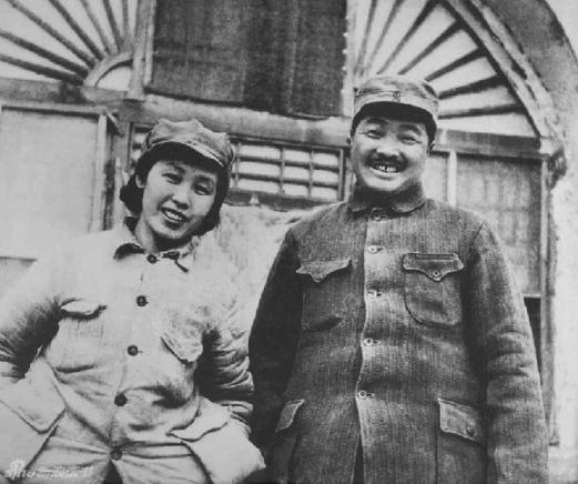 贺龙和妻子薛明