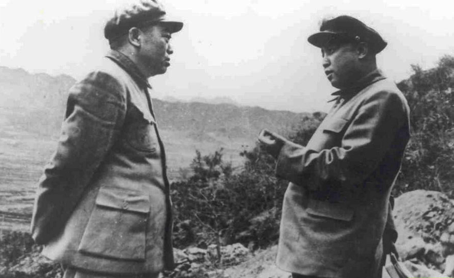 志愿军总司令彭德怀和朝鲜人民军最高司令官金日成