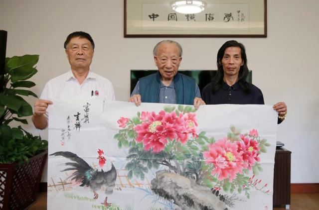 何斌老师、徐文荣先生、邵斌老师合影